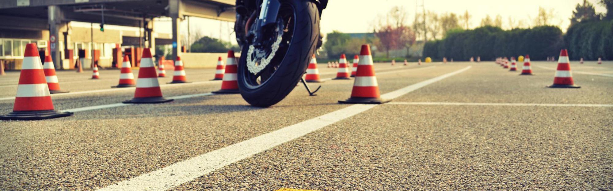 scuola guida per moto milano